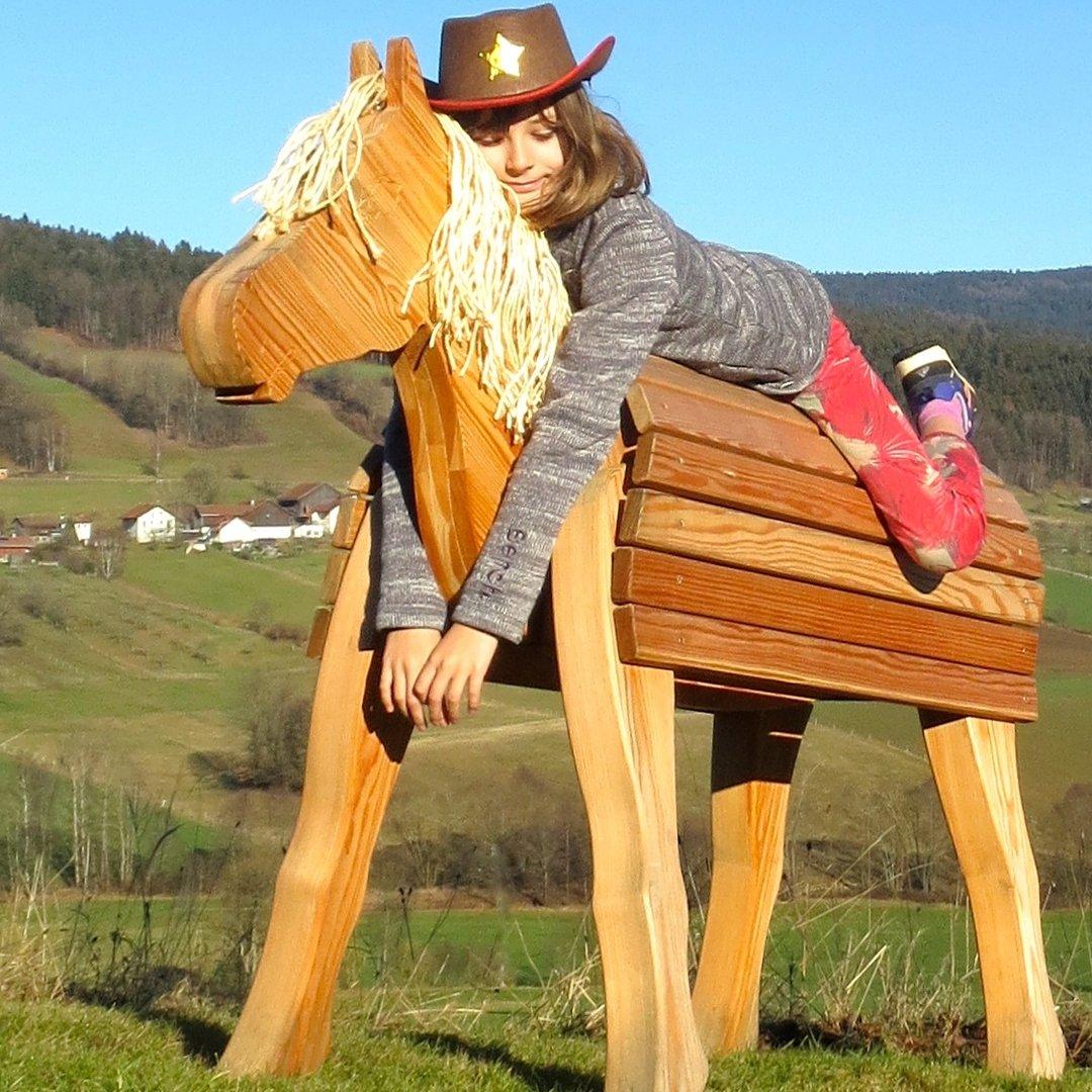 holzpferd bayerwald-pony fanny - holzpferd für garten und haus