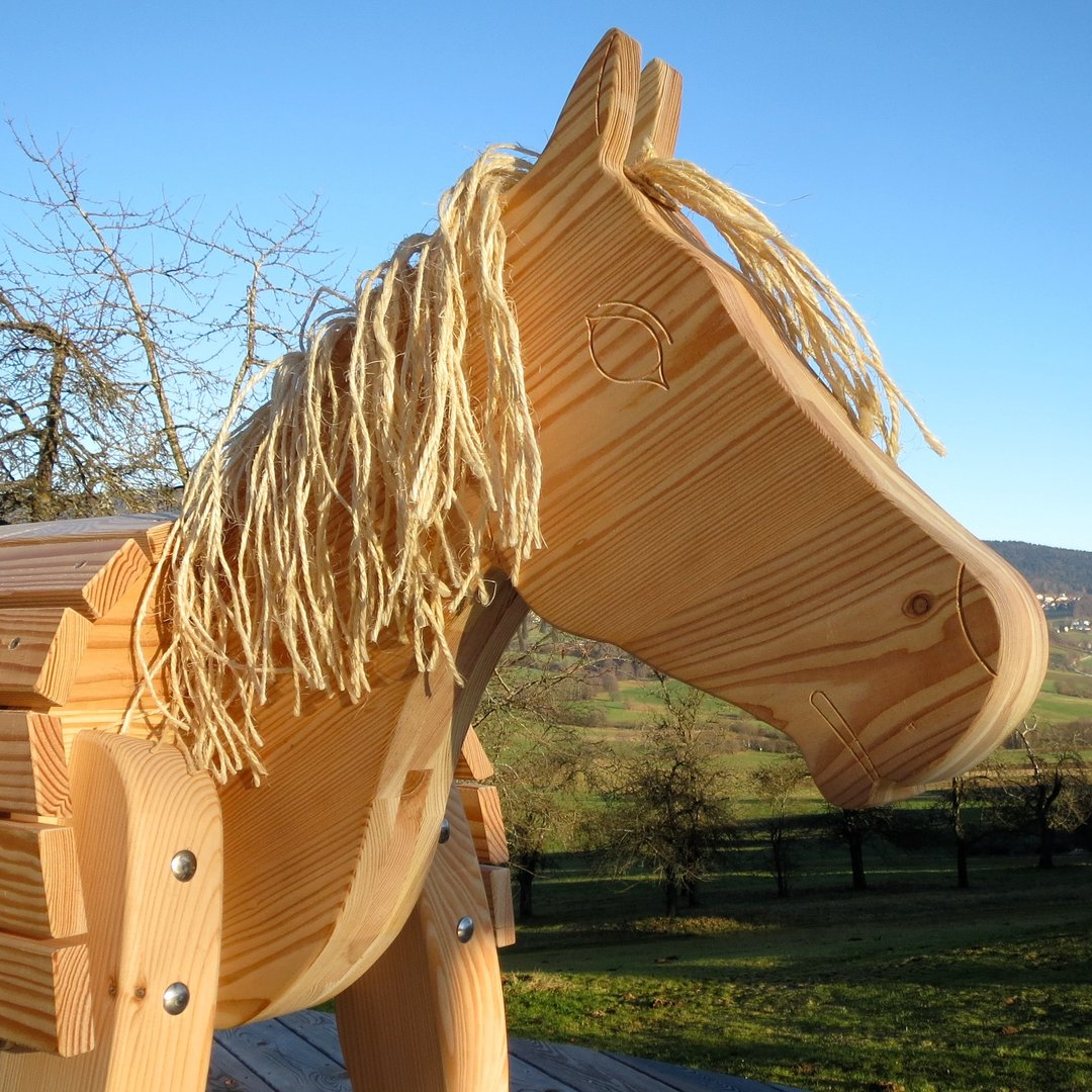 holzpferd gro kindergarten spielplatz bayerwald pony wildfang. Black Bedroom Furniture Sets. Home Design Ideas