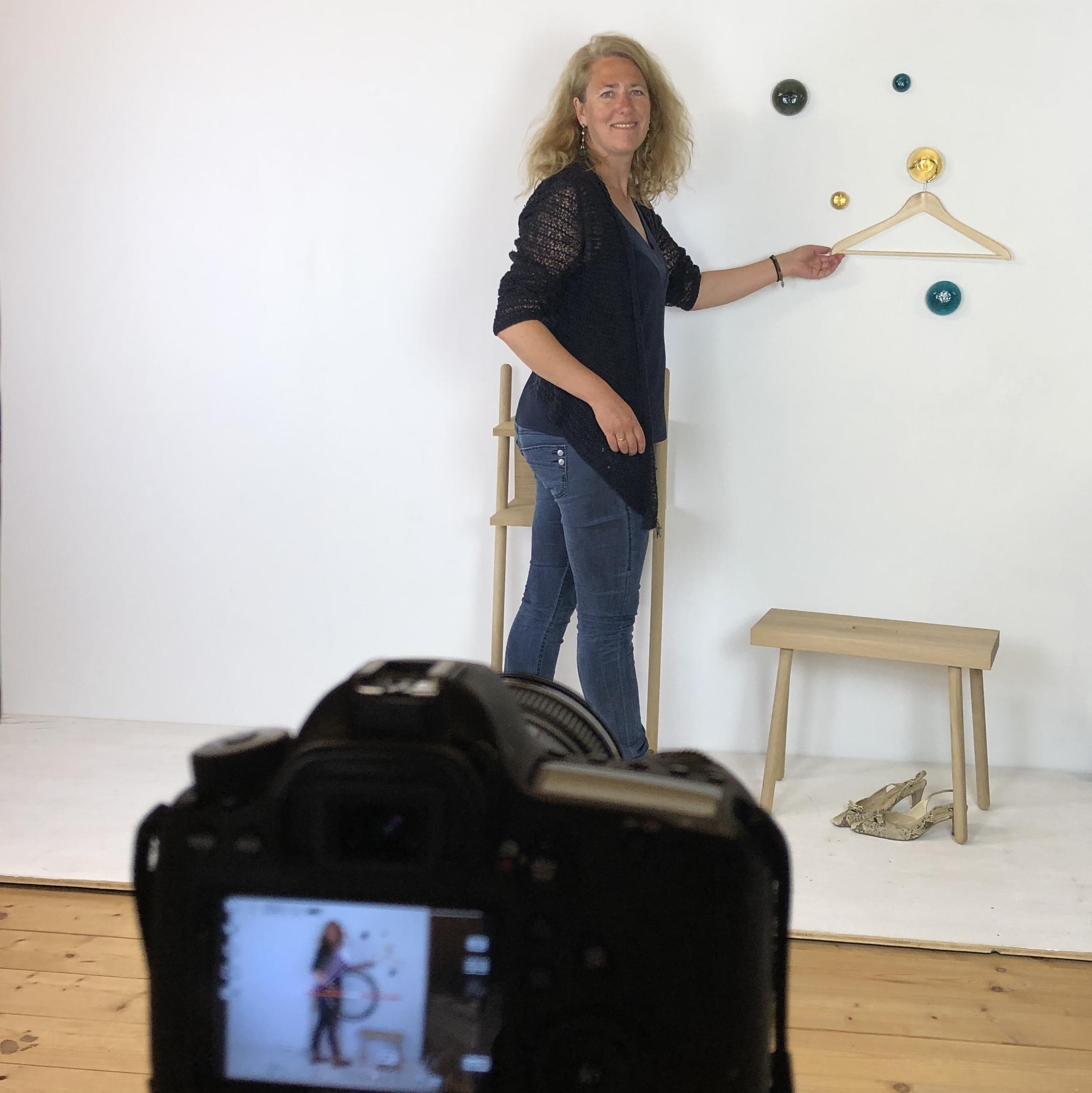 Shooting-Schubladen-Knauf-Kommode-Garderobe-Glas-von-Poschinger-FreyStil-NEU-farbig-Knopf-Haken-Dots-montanblau-turkis-oben